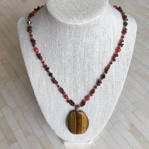 Beautiful tiger-eye beaded necklace - NWOT